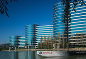 REDWOOD CITY, CA, USA - SEPT 24, 2008: The Oracle Headquarters located in Redwood City, CA, USA on Sept 24, 2008. Oracle is a multinational hardware and software technology corporation — Foto Stock