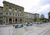 Swiss Federal Institute of Technology  building in Zurich — Stock Photo