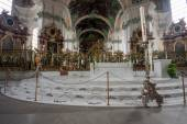 ST. GALLEN, SWITZERLAND - APRIL 22, 2014: Interior  Abbey of Saint Gall in St. Gallen on April 22, 2014. This Roman Catholic Cathedral with thousand year history has attraction for tourists — Photo