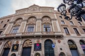 BARCELONA, SPAIN - FEB 9, 2014: Facade of  Teatre Principal at Rambla street in Barcelona Spain on Feb 9, 2014. It is the oldest theater in Barcelona — Stock Photo