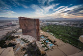 LAS VEGAS, NEVADA, USA - MAY 5, 2014: Working round-the-clock modern Vegas hotels and casinos Wynn and Encore at sunrise aerial view scene in Las Vegas, Nevada on May 5, 2014. — Stock Photo