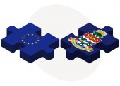 European Union and Cayman Islands Flags in puzzle — Stock Vector