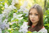 Young girl on  nature — Stock Photo