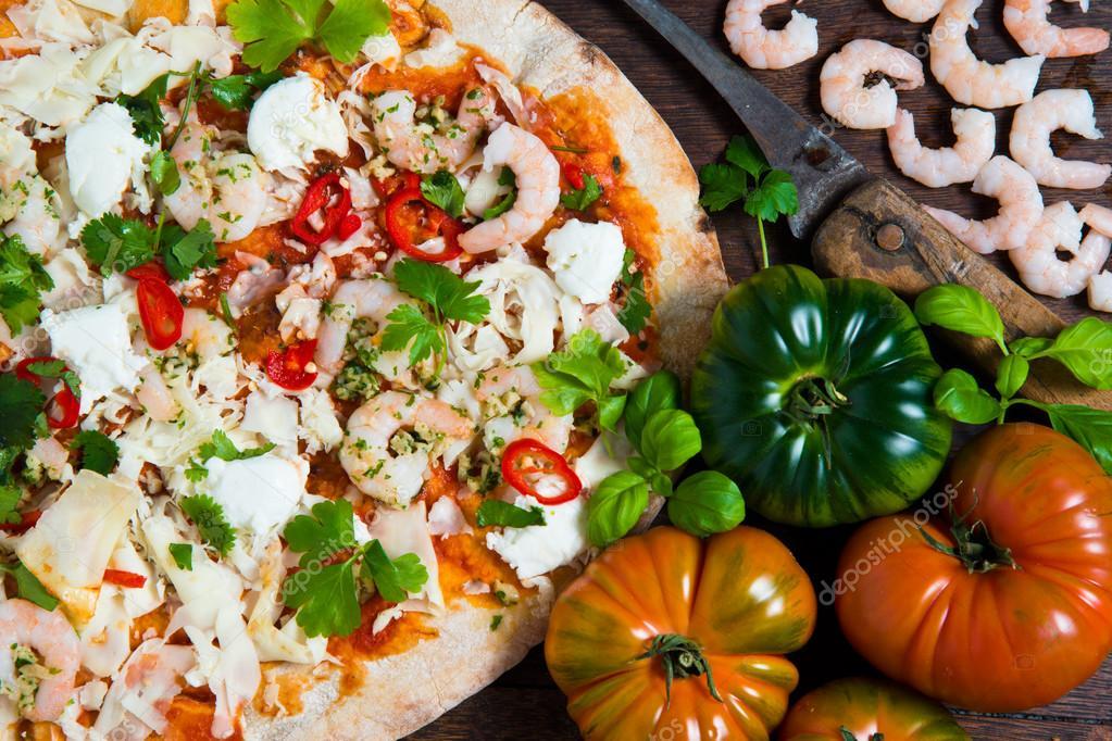 Risultati immagini per Foto con pomodori e mozzarella per pizza