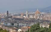 Stadsbilden i Florens med katedralen Duomo — Stockfoto