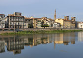 Florence Arno river embankment — Stock Photo