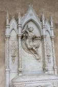 Tomb of unrecognized woman in Basilica Santa Croce. Florence. — Stock Photo