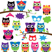 Vector Set of Superhero Owls with Branches and Speech Bubbles — Stock Vector