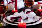Christmas dishware on the table — Zdjęcie stockowe