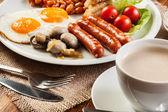Desayuno inglés con salchicha — Foto de Stock