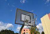 Basketball rim, streetball hoop against blue sky. — Stock Photo