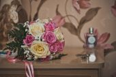 Bunch of flowers from roses on a table 2380. — Stock Photo