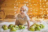 The girl in green apples 2924. — Stock Photo