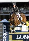 Horse jumping - Rutherford Latham — Stock Photo
