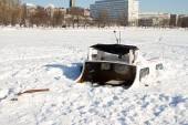 Boat buried in ice — Stock Photo