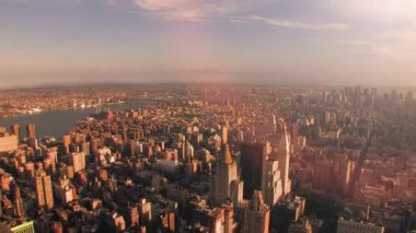 Overlooking downtown new york at sunset — Stok video