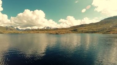 Mountain lake background — Vídeo de Stock