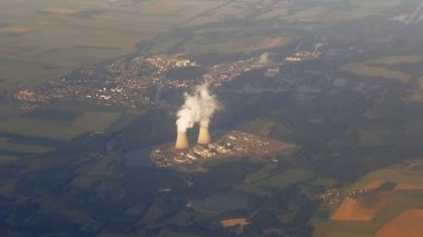 Aerial view of nuclear power plant — Stock Video