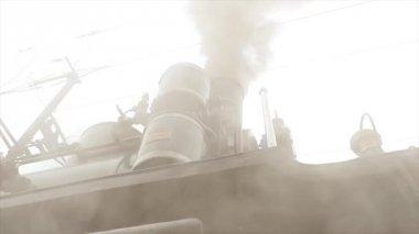 Oude treinlocomotief. — Stockvideo