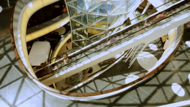 Shopping center and people on escalator — Vidéo