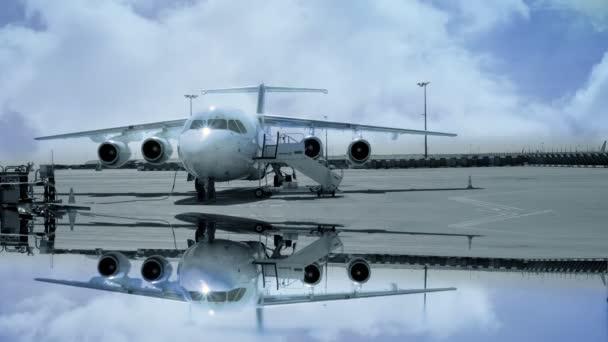 Pie de avión en el aeropuerto, — Vídeo de stock