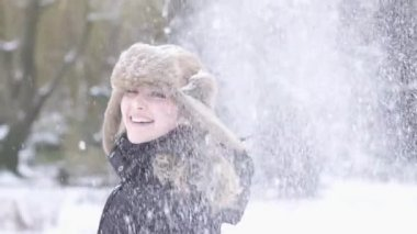 Woman having fun in the snow weather — Stock Video