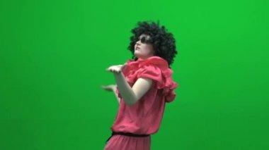 Dansende vrouw gek — Stockvideo