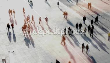 Människor som gick på gatan — Stockvideo