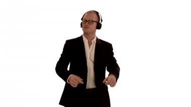 Man dancing with headphones — Stock Video