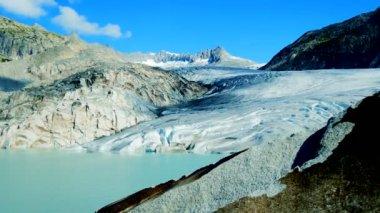 Аэрофотоснимок ледник горный пейзаж — Стоковое видео