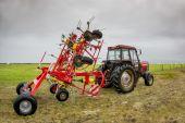 Tractorr in the field — ストック写真