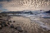 Odrazy v fjallsarlon Laguna — Stock fotografie