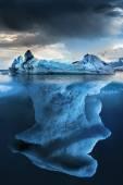 Big iceberg undewater — Stockfoto