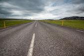 İzlanda'daki boş yol — Stok fotoğraf