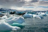 Jokulsarlon lagoon in Iceland with icebergs — Stock Photo