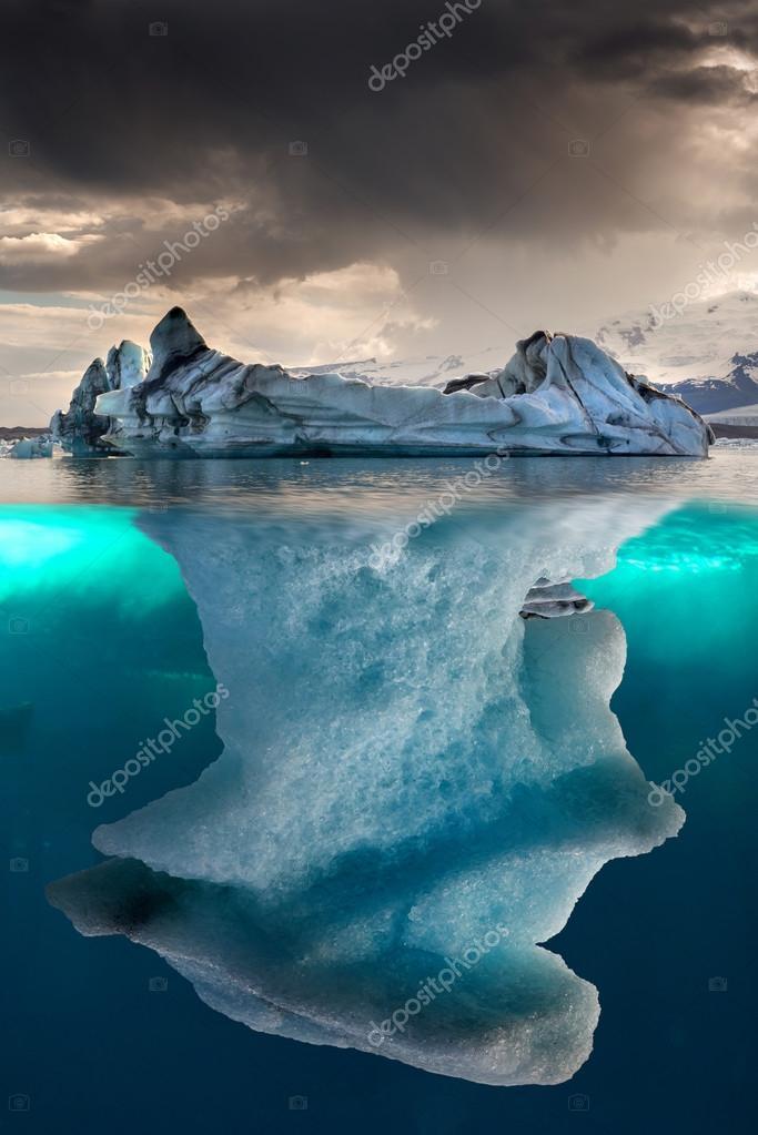 12 >> Large iceberg on sea — Stock Photo © luislouro #79022406