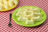 Chopped cantaloupe melon — Stockfoto
