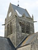Church of St Mere Eglise, Normandy - Paratrooper — Stockfoto