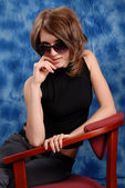 Girl gözlüklerle poz — Stok fotoğraf