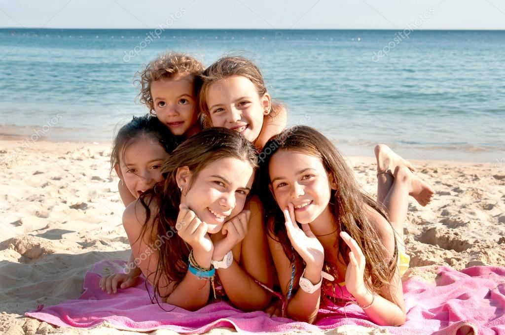 photo of girls at the beach № 17008