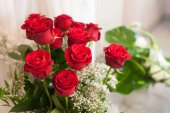 Close-up of bride bouquet of red rose — Stock Photo