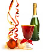 Red goblet, christmas balls and satin ribbons on white background — Foto de Stock