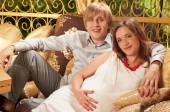 Pregnant couple expecting baby — Stock Photo