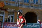 Niños en Kiev media maratón patinaje en linea — Foto de Stock