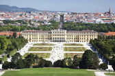 Beautiful view of famous Schonbrunn Palace in Vienna, Austria — Stock Photo