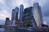 Das Moscow International Business Center am Abend — Stockfoto