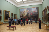 People in the hall  in the Tretyakov gallery — Stock Photo