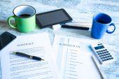 Vertrag und Businessplan — Stockfoto