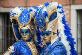 Venice, Italy - February 13, 2015: A wonderful mask participant of the annual carnival celebrations — Zdjęcie stockowe