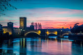 The river Adige that crosses Verona at Sunset — Stock Photo